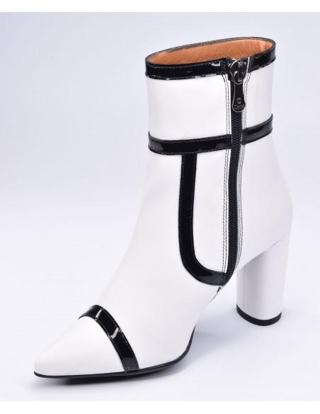 chaussure, bottines, femme petites pointures, blanc, vue diagonale côté intérieur