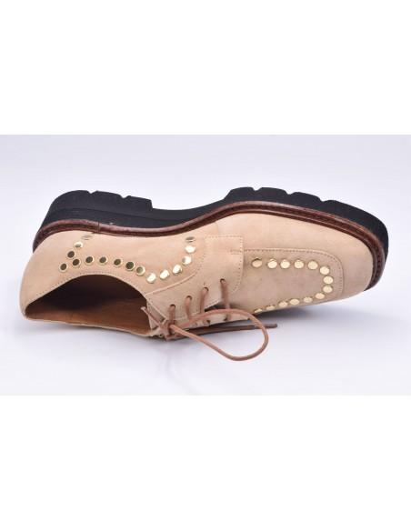 chaussure, derbies, femme petites pointures, beige, vue diagonale couché avant