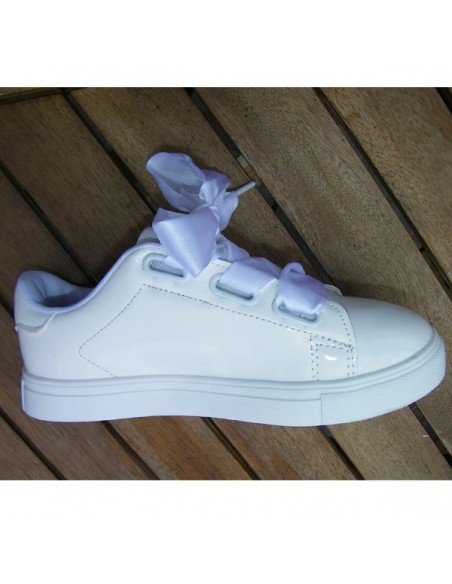 Tennis blancs, lacets ruban satin 124